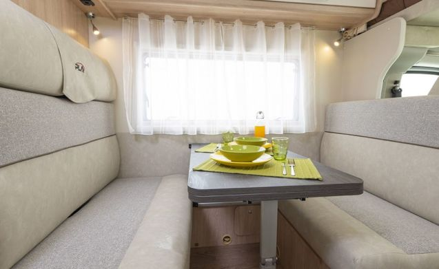 PLA 435 – Alcove Famiglia camper / RV / casa mobile per 6 + 1 pers