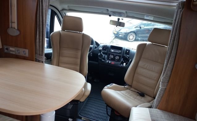 Rimor – Family car for the real liefhebber- weekly longer- € 50.00 discount