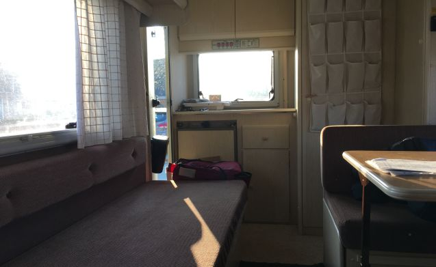 Perfectly maintained camper for rent for 5 people