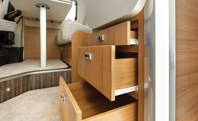 Family Friendly 4 berth T 669 (Edinburgh)