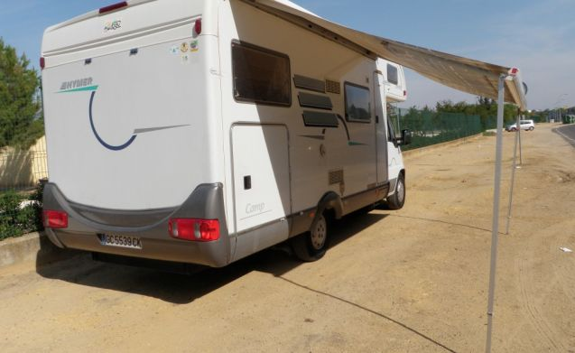 Alcove 6P Garage for the whole family: Hymer 644 Camp from 2001
