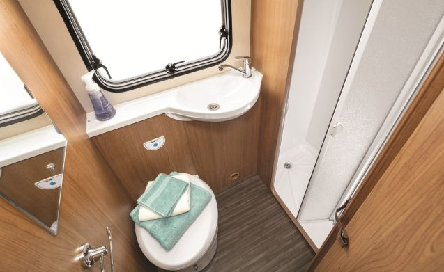 New Roomy 4 berth Tribute 615 (Wigan)
