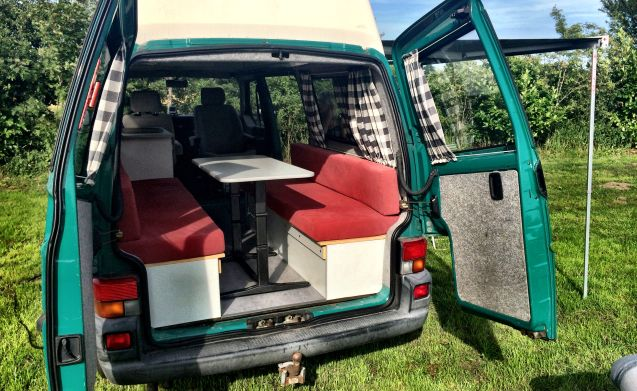 Volkswagen T4 Camper, with high fixed roof (standing upright)