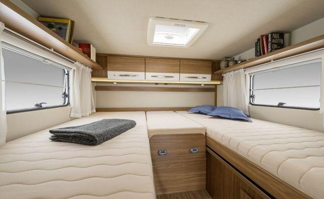 Nuovo camper spazioso per 3 persone / CSB3