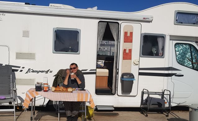 Rimor 2014 – Rent a camper 7 Pers. (2014) Rimor with Delivery service in the Netherlands