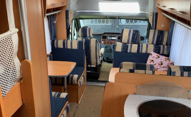 7 Berth, family camper,  high spec and quality, German built Hymer C682CL