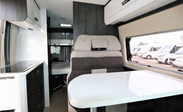 Compacte VAN Benimar Benivan 116 130pk 2019