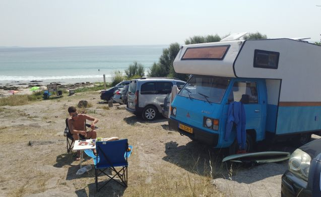 dream-catcher – Compact Mitsubishi L300 retro camper