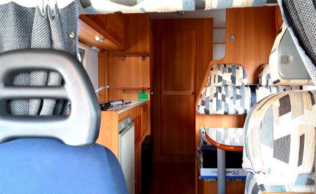 camper MANSARDATO con GARAGE completo di tutti gli optional!!! PERFETTO!!