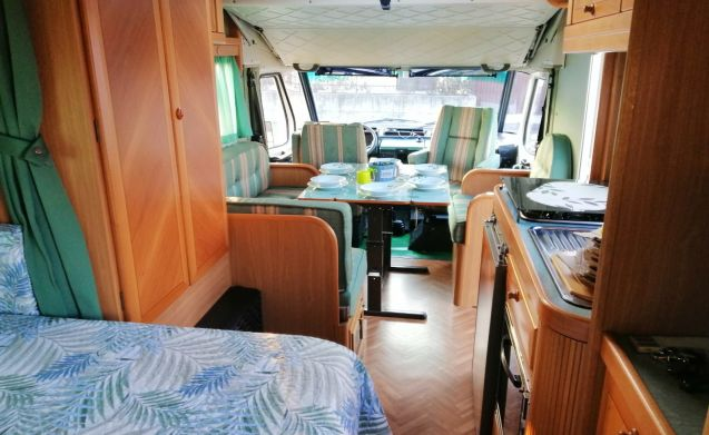 ALEX24031970 – Perfect camper for large family and many friends