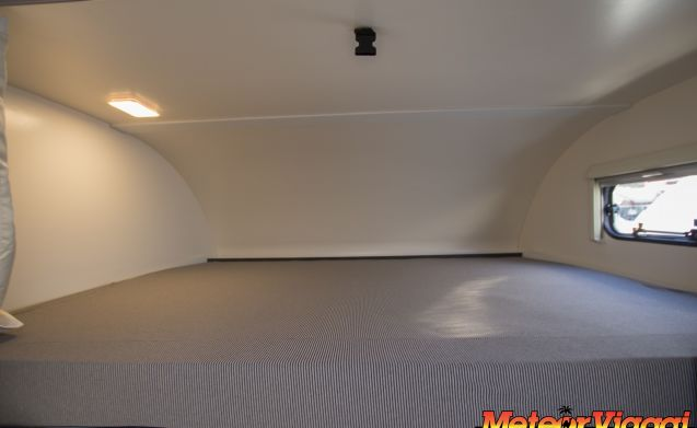 Attic 6 places Kronos 279 M [IDEAL FOR THREE COUPLES IN COMITIVE]