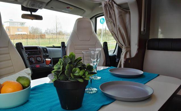 Voll ausgestatteter Fiat McLouis - 5 Personen