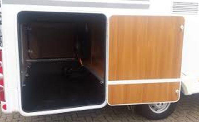 Geräumiges und komplettes Luxus-Wohnmobil für 6 Personen zu vermieten