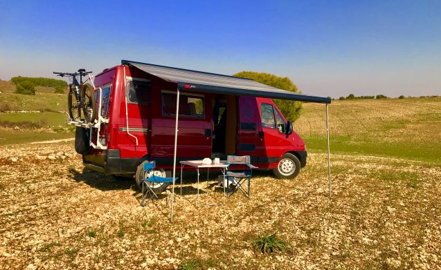 Happy Camper – Van Adria Win supercompact camper to explore Puglia