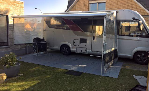 "Burstner Elegance I745 rijbewijs C1 "" Zomer & Winter camper."""