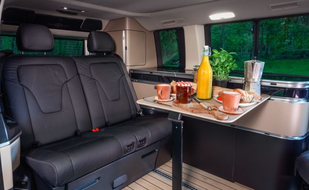 V-class Marco Polo Westfalia - Automatic - 4 people