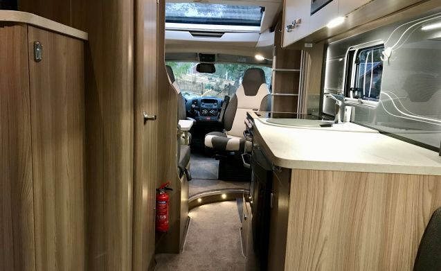 """SWIFT TOSCANE  – """"CAMPING FREEDOM IN SWEDEN"""""""