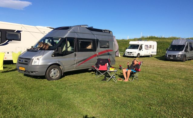 La Strada Trento excl – Ideal camper with pull-down bed, so plenty of space