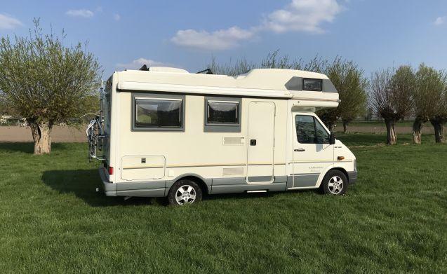 Karmann Missouri – Schönes, komfortables Wohnmobil mit runder Sitzfläche