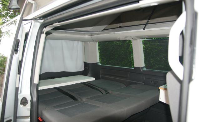 Delizioso autobus camper VW compatto (7 pers) con tetto sollevabile e portabiciclette