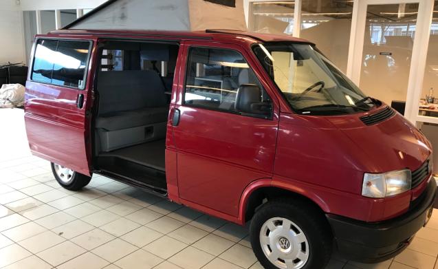 EDGAR – VW T4 MULTIVAN BEACH CALIFORNIA 3 SLEEPS