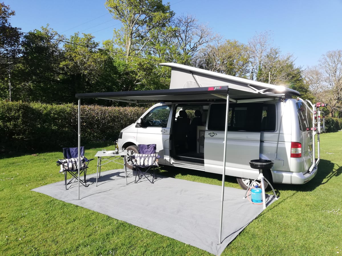 2015 Automatic Vw Transporter 140 Tdi Lwb 2 Berth Campervan From 109 00 P D Goboony