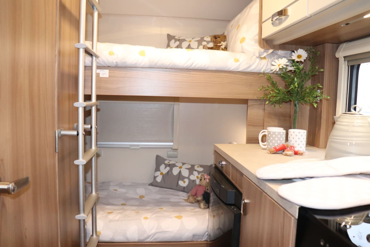 Daisy 6 Berth Pet Friendly Based In Yeovil Somerset From 98 00 P D Goboony