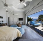 Master bedroom with 25 foot lanai facing Pacific Ocean