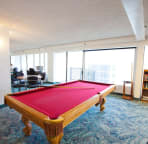Love a game? Relax and enjoy the Owners Lounge on the 26th floor.