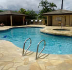 The lower pool and jacuzzi are waiting for you. Bar-be-que and picnic too!