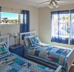Kids bedroom with 2 twin beds no tv