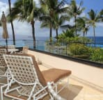 The large side lanai with ocean views opens from the master and queen bedrooms.
