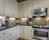 Ceramic stove top with convection oven makes cooking a breeze.