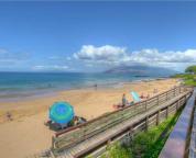 Kamaole Beach III, a short walk across the street