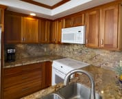 Recently renovated kitchen, fully equipped for your vacation