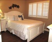 Guest Bedroom - Big comfortable bed!