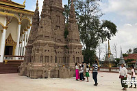 The first chief of the pagoda in...