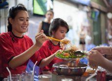 Explore Saigon by motorbike: Palaces to delicious food