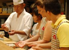 Experience sushi making and enjoy a sushi dinner in Nagoya