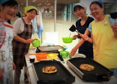 Shitamachi Explore Walking & Okonomiyaki Cooking Lesson