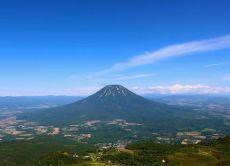 Enjoy Hokkaido's nature by hiking Niseko's mountains