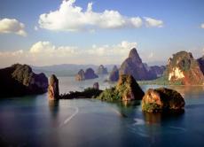 James Bond Island Tour: Cruise and Canoe Phang Nga Bay