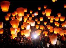 十分で楽しむ夜の天燈上げ&夜市散策(夕食付き)