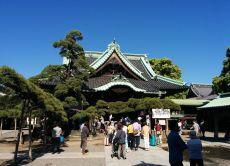 "Explore the nostalgic and local Tokyo at ""Shibamata"" area"