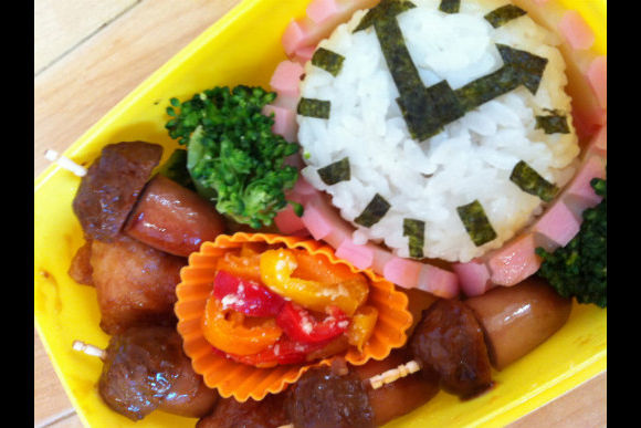 Learn How to Make Japanese Kid's Lunch Box :Kyaraben - 0