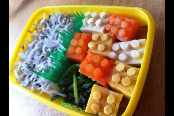 Learn How to Make Japanese Kid's Lunch Box :Kyaraben - 1