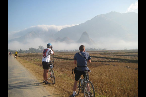 Bike through the mountains from Vietnam to Laos  - 0