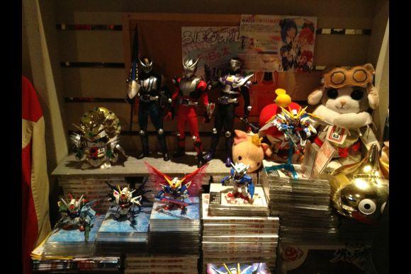 Pleasant Time in Gundam & Robot Toy Bar - 0