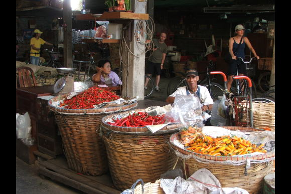 Chinatown to the Gardens of Siam (5-hour bicycle/boat tour) - 0
