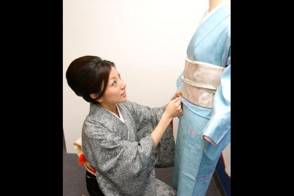 Walk Around in a Kimono in Ginza, Tokyo - 0